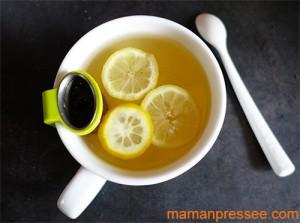 rem de naturel et d licieux contre le mal de gorge le th citron miel maman press emaman. Black Bedroom Furniture Sets. Home Design Ideas